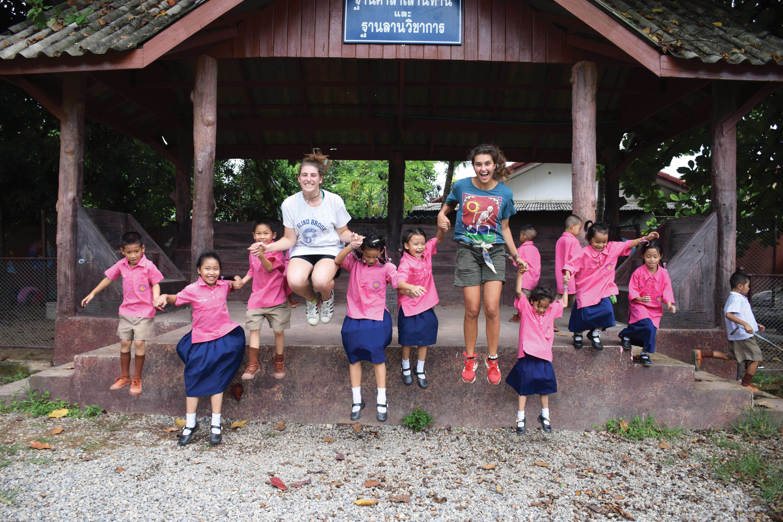 Best Volunteer Abroad Programs for Teens